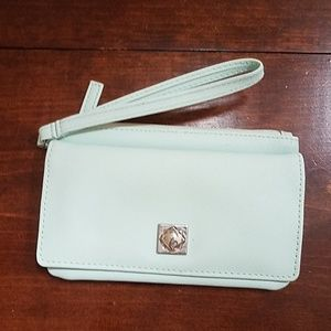 Handbags - Mint wristlet wallet